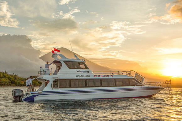 Fast boat from Bali to Gili with Freebird Express