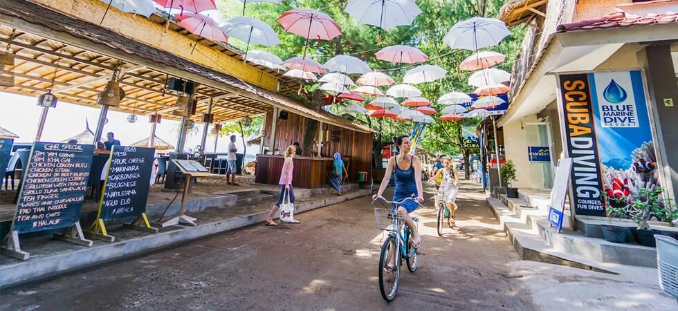 Explore Gili Trawangan on a bicycle