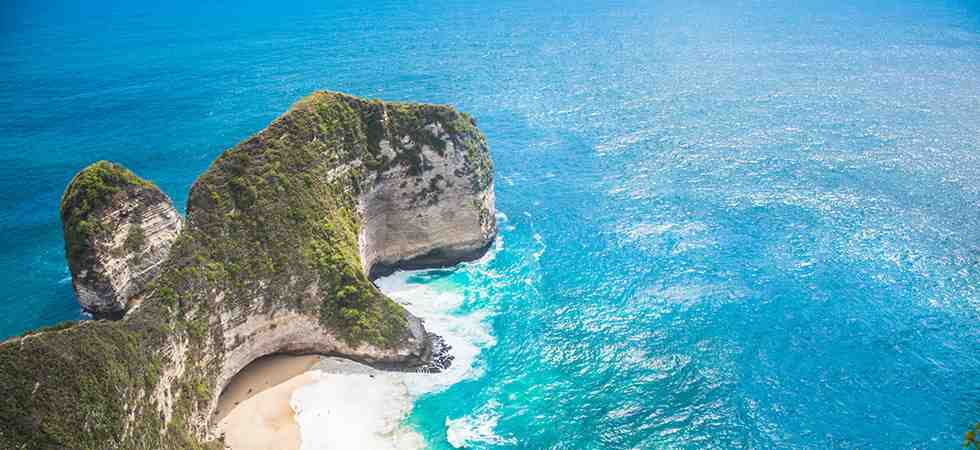 Kelingking stunning ocean views on Nusa Penida
